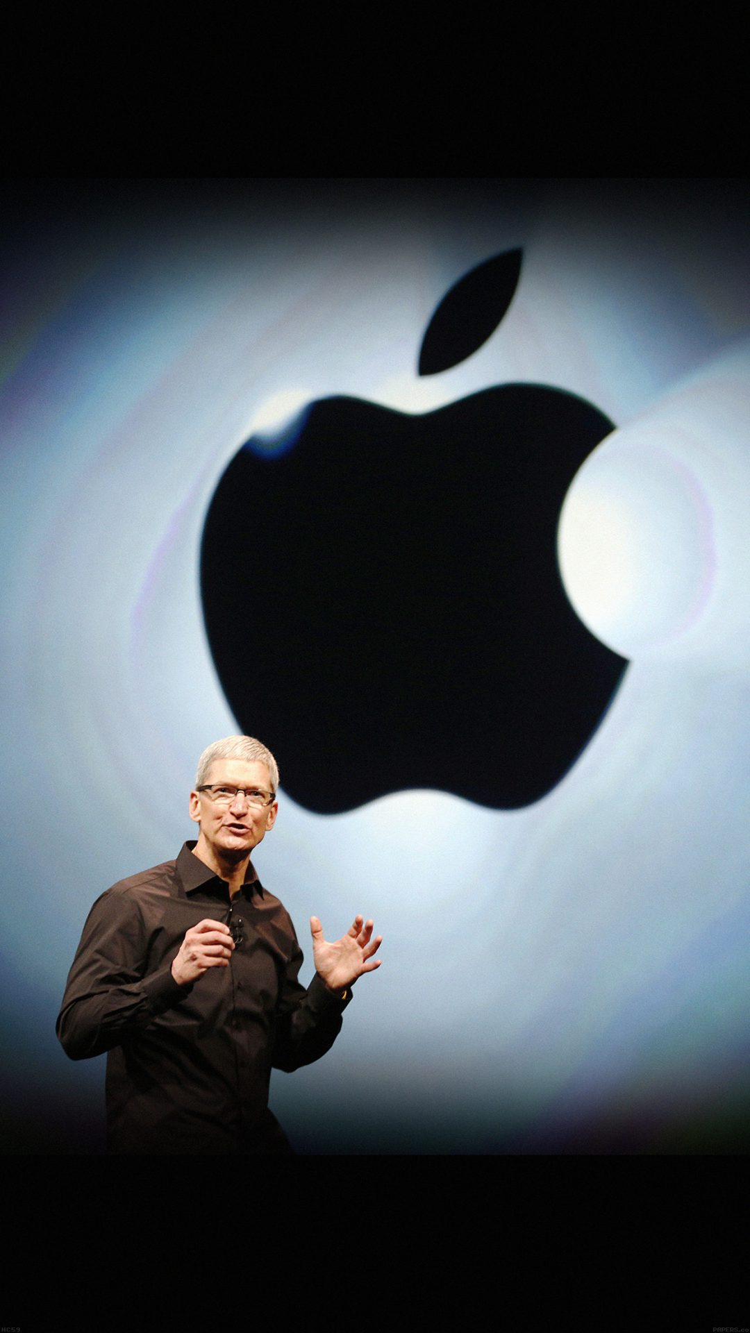 Apple Inc. CEO Tim Cook takes the stage during Apple Inc.'s iPhone media event in San Francisco, California September 12, 2012.    REUTERS/Beck Diefenbach (UNITED STATES  - Tags: SCIENCE TECHNOLOGY BUSINESS)