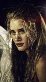 ROSIE HUNTINGTON-WHITELEY stars Splendid (Angharad) in MAD MAX: FURY ROAD. ©Warner Bros. CR: Jasin Boland.