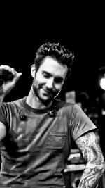 Maroon 5 Adam Levine Singer Artist Music Dark