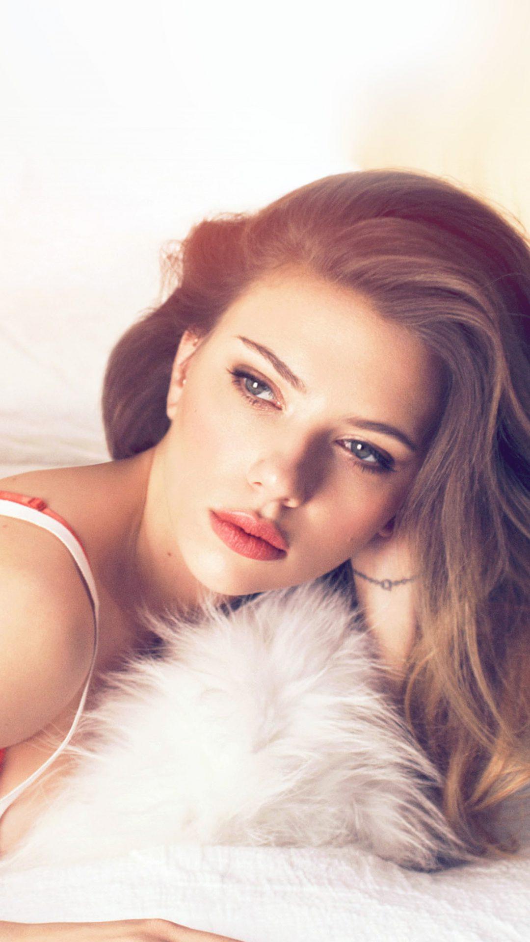 Scarlett Johanson Film Actress Bed Flare