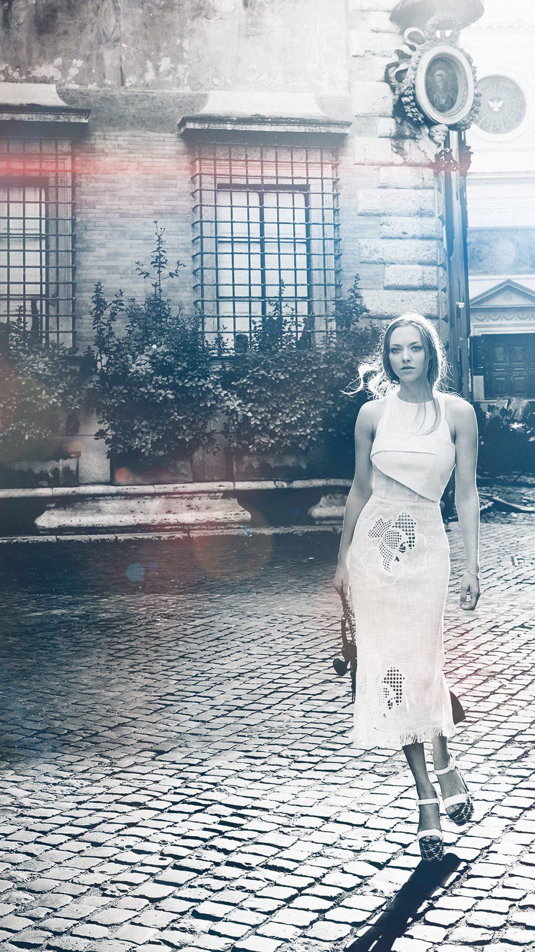 Amanda Seyfried Vogue Beauty Bw Celebrity Flare