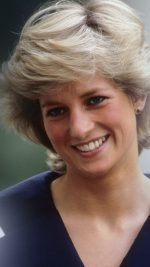 UNITED KINGDOM - AUGUST 04:  Diana, Princess of Wales (1961 -1997) during the Queen Mother's 87th birthday celebrations on August 4, 1987.  (Photo by Georges DeKeerle/Getty Images)