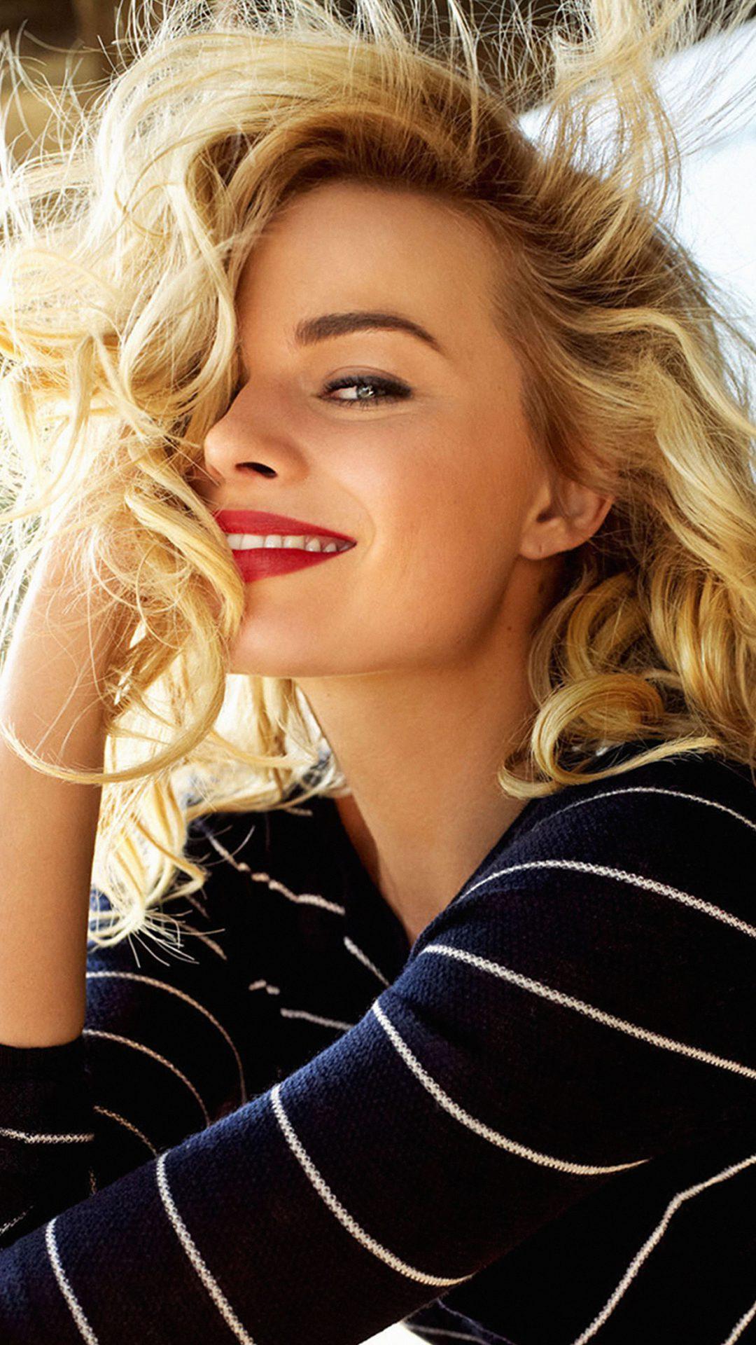 Margot Robbie Smile Celebrity Photo