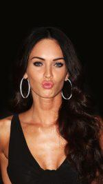 Megan Fox Dark Cute Kiss Celebrity