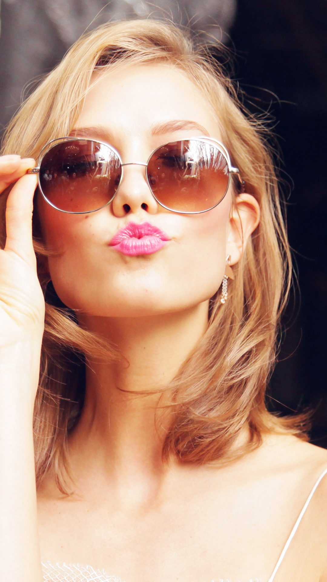 Sunglass Model Karlie Kloss Cute Beauty