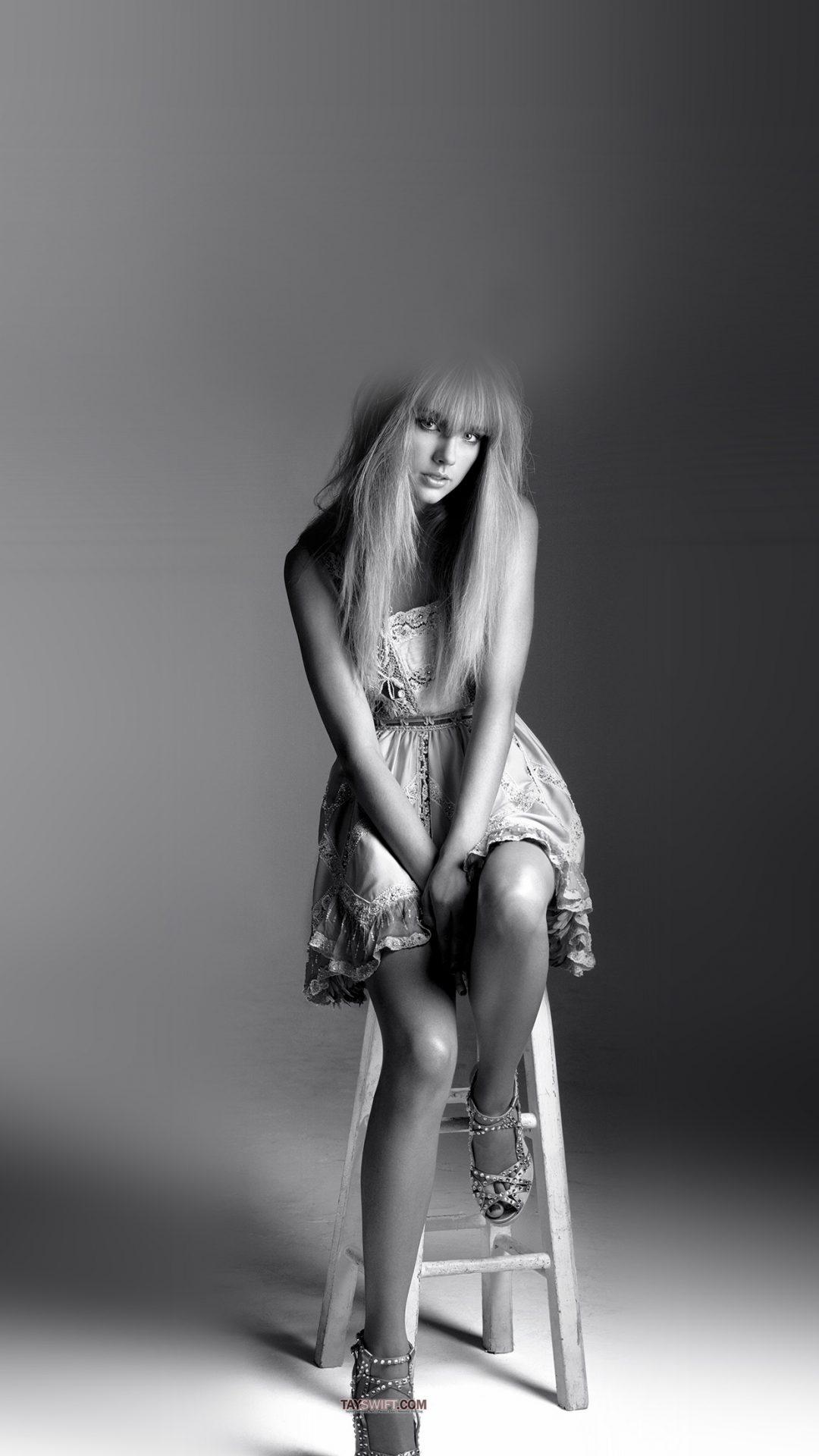 Taylor Swift Singer Bw Celebrity